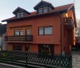 Izgradnja obiteljske kuće s uređenjem fasade i okućnice.